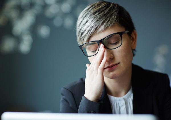 Jak zredukować zmęczony wygląd twarzy